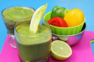 Green drinks promote organ health and immune system strength, while providing most of the vitamins and nutrients needed in the daily diet. (NoDerog)