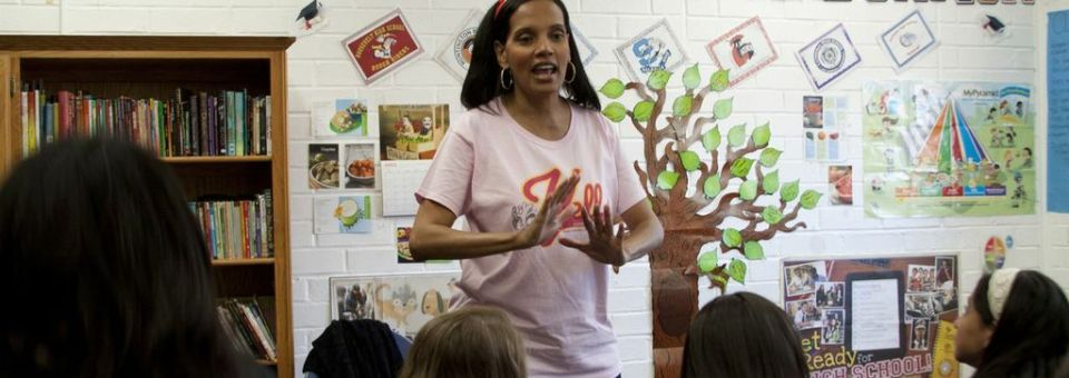 Shari Headley Stars at Home and in Community