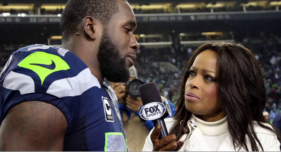 Pam Oliver has been a football fan favorite in sideline reporting for two decades. (Fox Sports screen shot)
