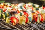 kebabs-on-grill AICR