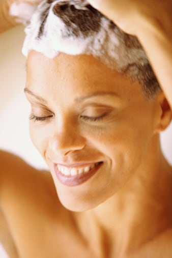 Is it Really Healthy to Ditch Your Shampoo?