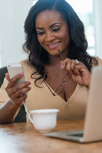 Health News: Texting Makes the Heart Grow Fonder; You Really Are as Old as You Feel!